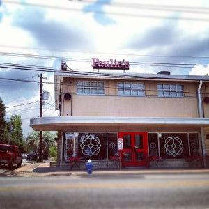 Paulies Restaurant