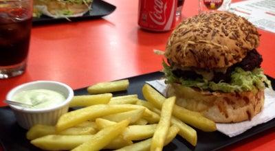 Photo of Burger Joint Hamburgueria São José at Rua Altamiro Di Bernardi, 26, São José, SC 88101-150, Brazil