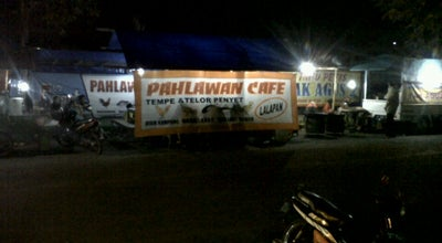 Photo of Diner Pahlawan cafe Lalapan at Jl. A. Yani, Banyuwangi, Indonesia