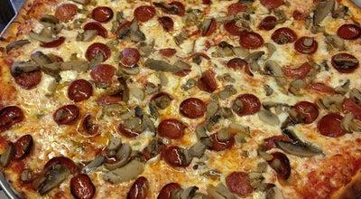 Photo of Pizza Place Mister B's Restaurant / Pizzeria / Tavern at 2201 Hyde Park Blvd, Niagara Falls, NY 14305, United States