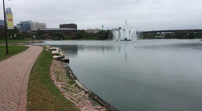 Photo of Lake Giant Con Agra Park Fountain at Omaha, NE, United States