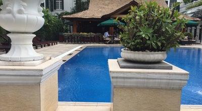Photo of Pool Hotel Sofitel Legend Metropole swimming pool at Vietnam