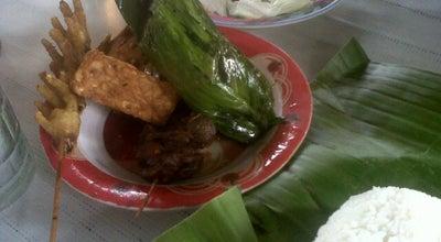 Photo of Asian Restaurant Ayam Goreng Acas Breng at Jln. May. Abdurahman, Sumedang Utara, Indonesia