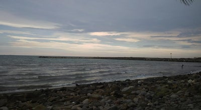 Photo of Beach Tanjung Bunga Beach at Tanjung Bunga, Makassar, Indonesia