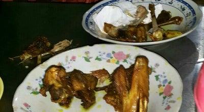 Photo of Asian Restaurant Ayam Goreng & Sop Buntut Pak Supar at Jalan Mohammad Husni Thamrin, Semarang, Indonesia