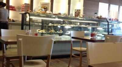 Photo of Coffee Shop Nucha at Av. Cerviño 4417, Palermo, Argentina