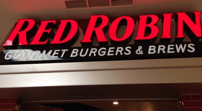 Photo of Burger Joint Red Robin Gourmet Burgers at 7875 Montgomery Rd, Cincinnati, OH 45236, United States
