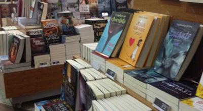 Photo of Bookstore Livrarias Curitiba at Shopping Estação, Curitiba 80230-010, Brazil