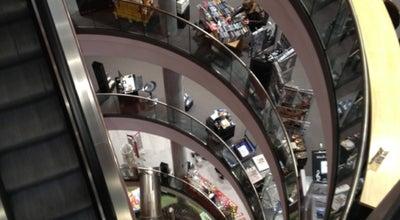 Photo of Bookstore Mayersche Buchhandlung at Königsallee 18, Düsseldorf 40212, Germany