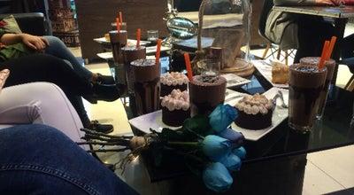 Photo of Coffee Shop Amir Chocolate   امیر چاکلت at Mokhaberat Sq., Tabriz, Iran