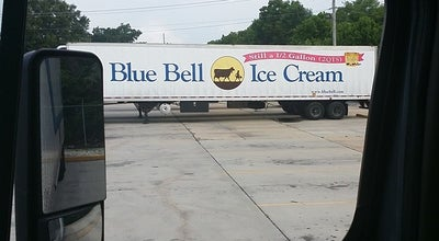 Photo of Ice Cream Shop Blue Bell Creameries at 423 N Norton Ave, Sylacauga, AL 35150, United States