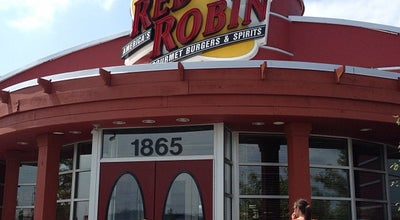 Photo of Burger Joint Red Robin Gourmet Burgers at 1865 Hilliard Rome Rd, Hilliard, OH 43026, United States