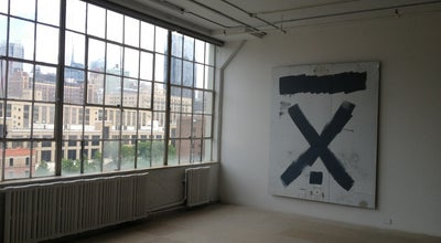 Photo of Art Gallery Greene Naftali Gallery at 508 W 26th St, New York, NY 10001, United States