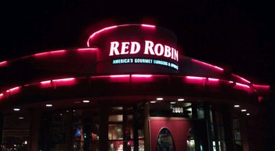 Photo of Burger Joint Red Robin Gourmet Burgers at 2860 Us Highway 34, Oswego, IL 60543, United States