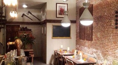 Photo of American Restaurant Bar Huf at Reguliersdwarsstraat 43, Amsterdam 1017BK, Netherlands