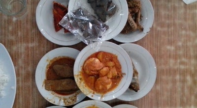 Photo of Padangnese Restaurant RM. Lamun Ombak at Jl. Khatib Sulaiman No. 99, Ulak Karang, Padang, Indonesia
