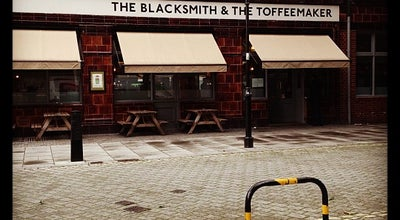 Photo of Pub The Blacksmith & The Toffeemaker at 292 - 294 St John Steet, London 4PA, United Kingdom