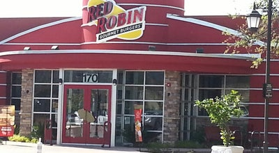 Photo of Burger Joint Red Robin Gourmet Burgers at 170 W Hillcrest Dr, Thousand Oaks, CA 91360, United States