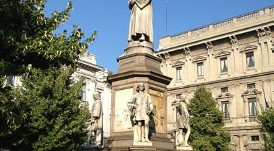 Photo of Monument / Landmark Statua a Leonardo da Vinci at Piazza Della Scala, Milano 20121, Italy
