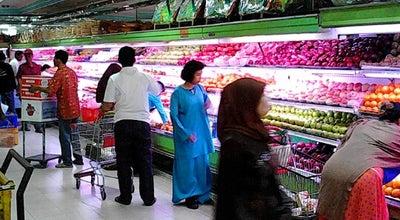 Photo of Farmers Market Pasar Buah Pekanbaru at Jalan Jenderal Sudirman No. 88-92, Pekanbaru, Indonesia
