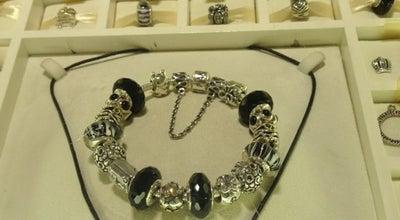 Photo of Jewelry Store Pandora at Shopping Mueller, Curitiba 80530-900, Brazil