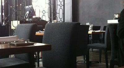 Photo of French Restaurant Les 400 coups at 400 Rue Notre-dame Est, Montréal, QC H2Y 1C8, Canada