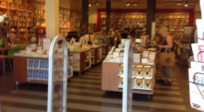 Photo of Bookstore Vos & Van der Leer at Voorstraat 258a, Dordrecht 3311 ET, Netherlands
