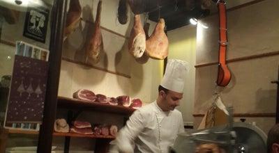 Photo of Italian Restaurant Trattoria Al Pompiere at Vicolo Regina D'ungheria 5, Verona 37121, Italy