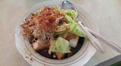 """Photo of Vegetarian / Vegan Restaurant Kupat tahu dompleng """"pak man"""" at Jl.bambang Sugeng, Magelang, Indonesia"""