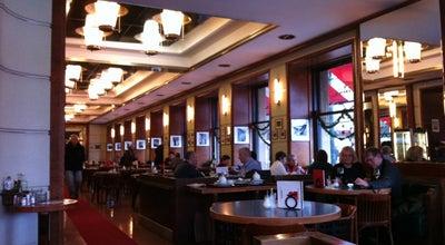 Photo of Cafe Kavárna Slavia at Smetanovo Nábřeží 1012/2, Praha 110 00, Czech Republic