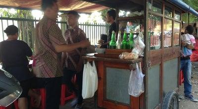 Photo of Food Truck Bubur Ayam Palapa at Depan Masjid Baituss Salam-palapa, Jakarta, Indonesia