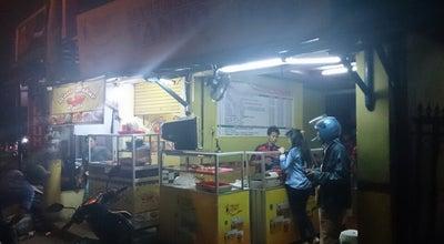"""Photo of Food Truck Martabak Bangka """"Yanto"""" at Jl. Raya Pulogebang, Jakarta, Indonesia"""