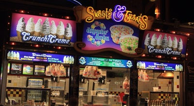 Photo of Ice Cream Shop Sweets & Treats at Clifton Hill, Niagara Falls, ON, Canada