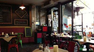 Photo of French Restaurant L'Artiste at 153 Rue De La Roquette, Paris 75011, France