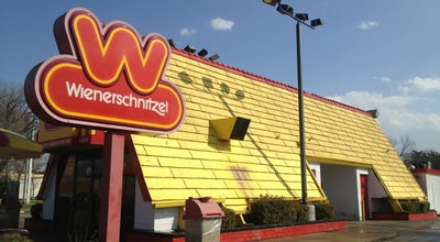 Photo of Fast Food Restaurant Wienerschnitzel at 501 S Texas Ave, Bryan, TX 77803, United States