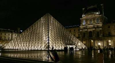 Photo of Monument / Landmark Pyramide du Louvre at Cour Napoléon, Paris 75001, France