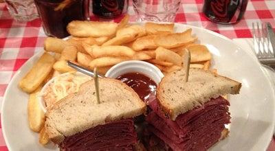 Photo of Burger Joint Schwartz's Deli at 7 Avenue D'eylau, Paris 75016, France