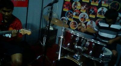 Photo of Music Venue Freedom Jam Room at Ground, Andheri East, Mumbai, India