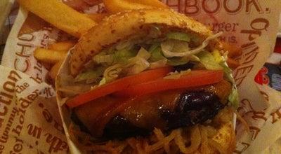 Photo of Burger Joint Red Robin Gourmet Burgers at 10237 152nd Street, Surrey, BC V3R 4G6, Canada