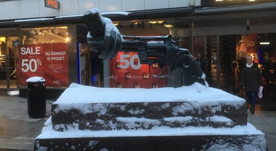 Photo of Outdoor Sculpture Non-violence at Sergelgatan 11, Stockholm 111 57, Sweden