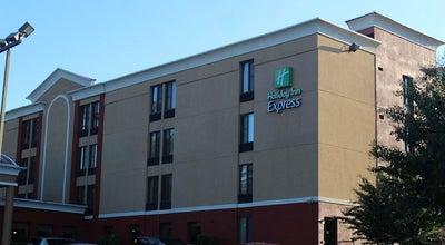 Photo of Hotel Holiday Inn Express Fairfax - Arlington Boulevard at 10327 Fairfax Blvd, Fairfax, VA 22030, United States