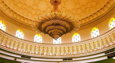 Photo of Mosque Masjid Tengku Kelana Jaya Petra at Jalan Ss 7/13, Kelana Jaya, Petaling Jaya 47301, Malaysia