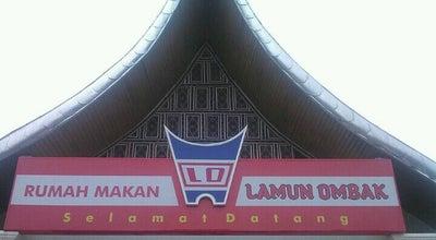 Photo of Indonesian Restaurant RM Lamun Ombak at Jl. Padang - Bukittinggi, Kubung, Indonesia