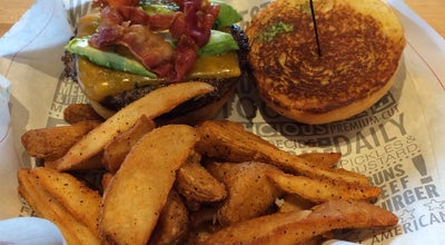 Photo of Burger Joint Fuddruckers at 20001 Gulf Freeway, Webster, TX 77598, United States