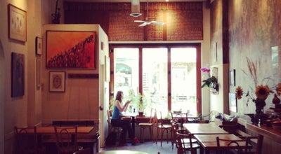 Photo of Persian Restaurant Byblos Le Petit Café at 1499 Avenue Laurier Est, Montréal, QC H2J 1H8, Canada