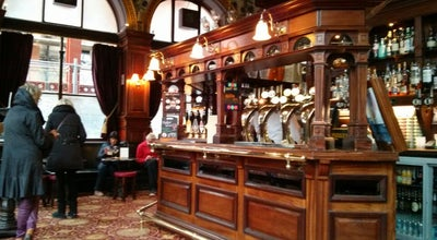 Photo of Pub The Guildford Arms at 1-5 W Register St, Edinburgh EH2 2AA, United Kingdom