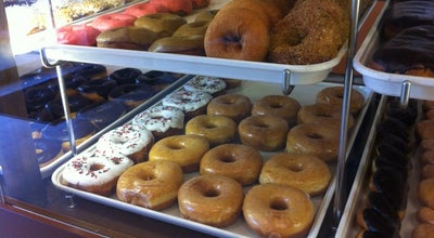 Photo of Donut Shop Queen's Donuts at 196 Race St, San Jose, CA 95126, United States
