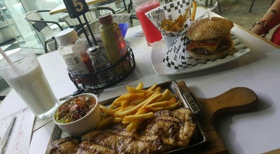 Photo of Burger Joint Pablo Y Maria at Colombia