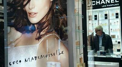Photo of Boutique CHANEL Boutique at 40 Boulevard Haussmann, Paris 75009, France