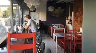 Photo of Chinese Restaurant Parnik at Al. K.e.n. 84, Warszawa, Poland